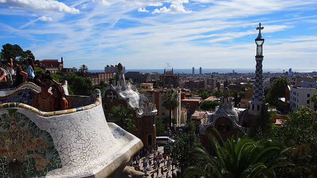 01_guell
