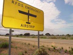 Pista de aterrizaje y carretera