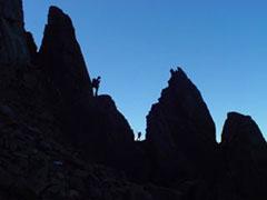 Subiendo por los acantilados