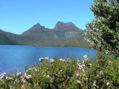 El Monte Cradle y el lago Dove