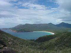 """La hermosa bahía """"de la copa de vino"""" en Freycinet"""