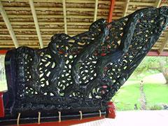Detalle de la canoa guerrera