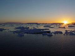El primer amanecer en la Antártida