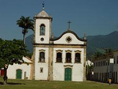 Una de las iglesias coloniales de Paraty