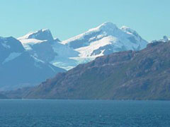 Montañas y glaciares espectaculares en nuestra ruta