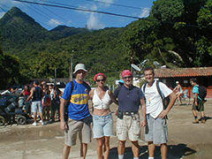 La expedición hispano-argentina-brasileña, de izda a derecha, Toba, Sandra, Carlos y Nelio