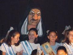 La bruja protectora de las meigas infantiles