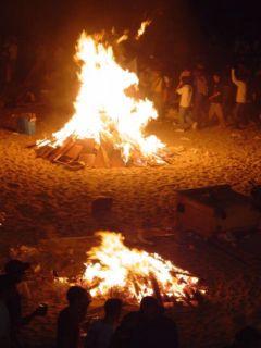 La purificación del fuego en San Juan, una fiesta emblemática