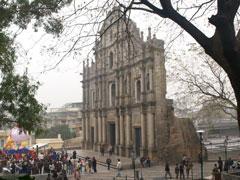 La fachada de la iglesia de San Pablo