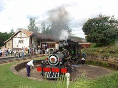 Dando la vuelta a la locomotora