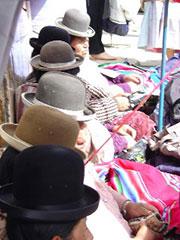 Venta callejera (los sombreros no se venden)
