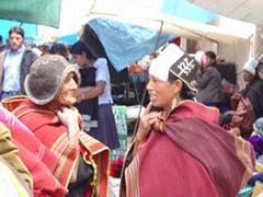 Desfile de sombreros en Tarabuco