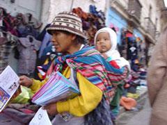 En La Paz se vende de todo en las calles