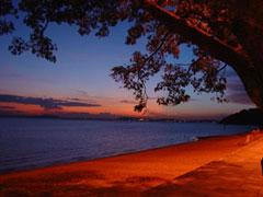 Atardecer desde playa Ipanema en Porto Alegre
