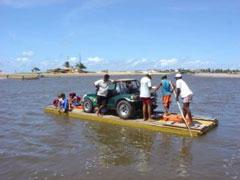 Cruce de río en Genipabú