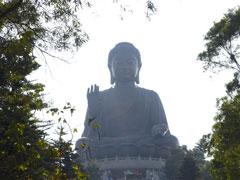 Buda en la isla de Lantau