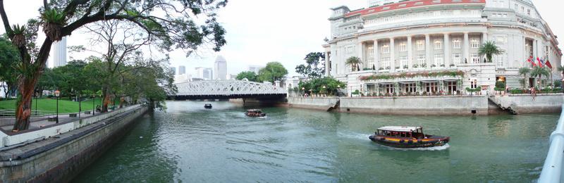 Panorámica Olympus del río en Singapur.