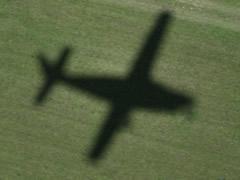 El avión Cessna despegando de Puerto Ordaz