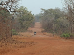Imágenes tomadas en ruta. Así son las carreteras en Guinea