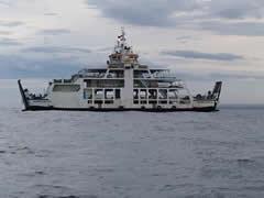 Ferry típico en Indonesia