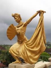 Estatua en el Museo Antonio Blanco de Ubud