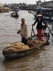 Mercado flotante en el delta.