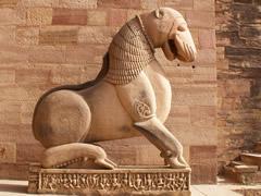 Hermosa escultura tallada