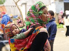 Madre y bebé en Bac Ha