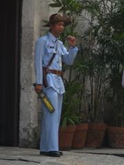Guardia al estilo colonial en Manila Intramuros