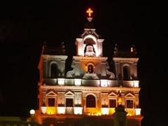 Iglesia de la Inmaculada Concepción en Panaji de noche