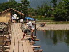 Pescando en el río