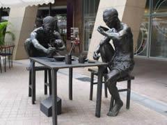 Estatuas en el Esplanade