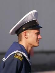 Marinero ruso del barco Mir (Paz en ruso)