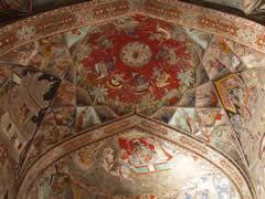 Maravillosas pinturas en el palacio