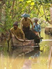 Pescadores en los canales de Kerala