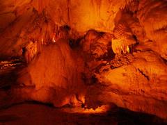 Interior de la cueva Lang