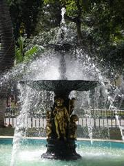 Fuente en la plaza Bolivar