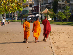 Monjes budistas en Phnom Penh