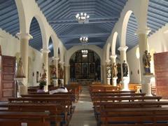 Interior iglesia Río Caribe