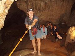 Descenso a la cueva en Sagada