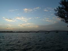 El puente al amanecer