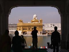 Entrada al templo dorado