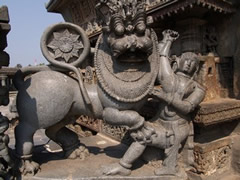 Templo Belur. Detalle escultura