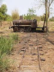 Locomotora abandonada en Done Khone