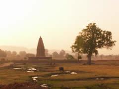 Templos del este al amanecer