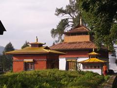 Otra vista del monasterio de Tashiding