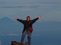 Con el Gunung de Bali al fondo