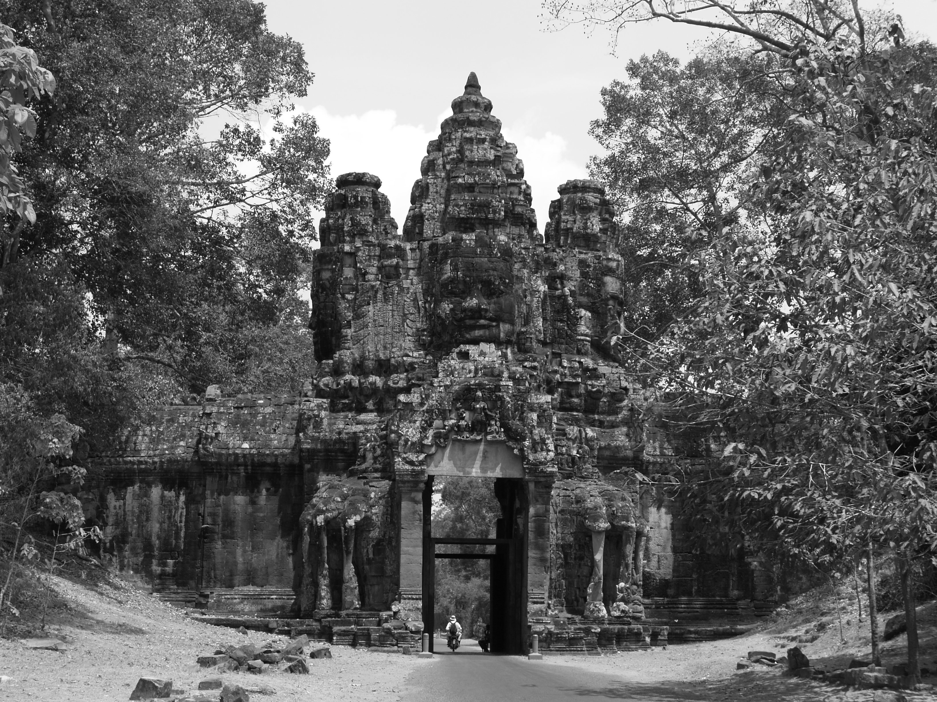 P3230348_DViag_Angkor_tom_puerta_de_la_victoria