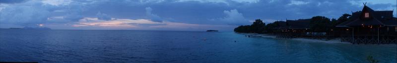 Panorámica Olympus de la isla Mataking al atardecer