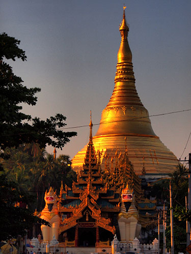 01_Shwedagon